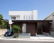 Modern House of Corridor in Fukuoka, Japan