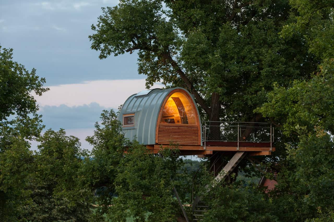 A Modern Treehouse Built Around an Oak Tree