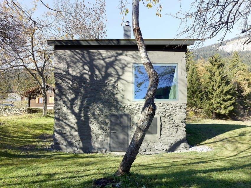 design project Savioz House Barn Converted into Minimalist Holiday House in Ayent, Switzerland