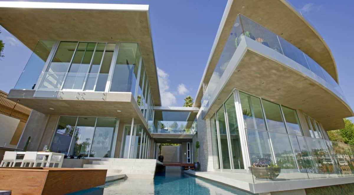 15.5 million mansion  DJ Aviciis Astounding $15.5 Million Property in Hollywood Hills
